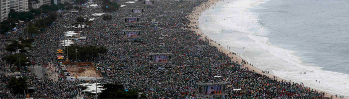 Millions attend mass on the beach at World Youth Day 2013